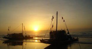 Ngất ngây với vẻ đẹp lúc bình minh trên biển Sầm Sơn