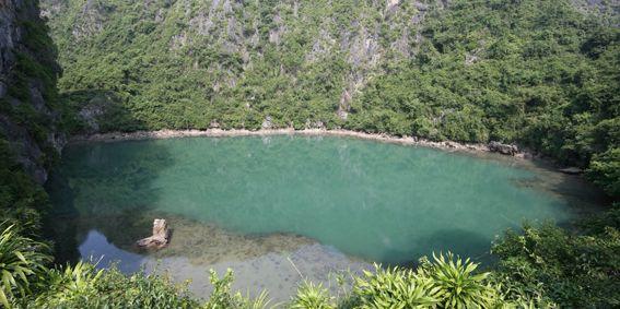 Hồ Ba Hầm - địa điểm tham quan rất thú vị trên vịnh Hạ Long