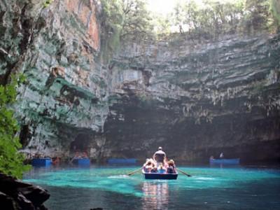Hồ Ba Hầm - địa điểm tham quan không thể bỏ qua khi đến vịnh Hạ Long