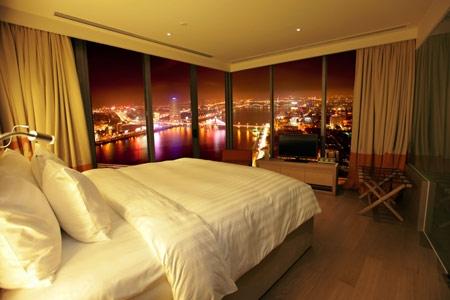 Phòng ngủ với cảnh thơ mộng và lãng mạnPhòng ngủ với cảnh thơ mộng và lãng mạn