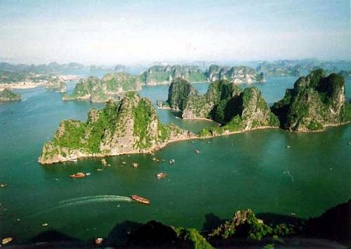 Chiêm ngưỡng đảo Rồng ở vịnh Hạ Long