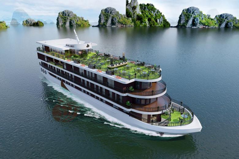 Hạ Long có rất nhiều du thuyền 5 sao đẹp và sang trọng không kém khách sạn trên đất liền