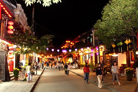 Vẻ đẹp yên bình,hoài niệm của phố cổ Hội An về đêm