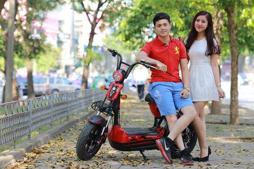 Đạp xe trên con đường ở Đà Nẵng thơ mộng và lãng mạn