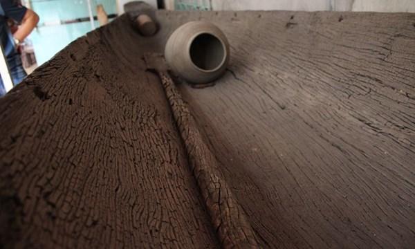 Chiếc thuyền cổ nguyên vẹn làm từ cây gỗ 800 tuổi