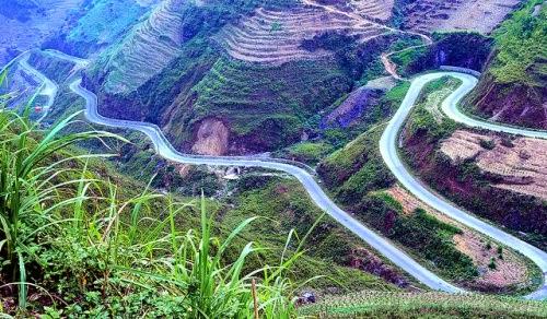 Khám phá con đường đèo huyền thoại Mã Pì Lèng