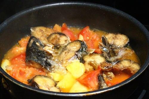 Cá nục kho dứa ngon thơm