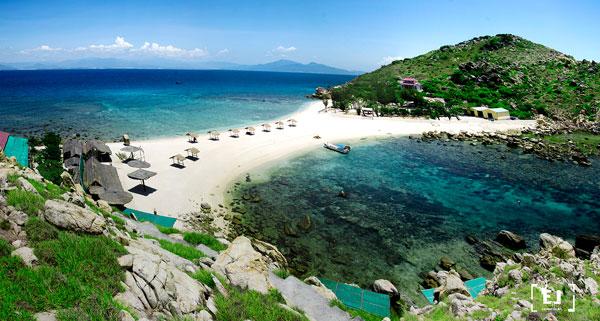Vẻ đẹp cuốn hút của đảo Yến ở Nha Trang